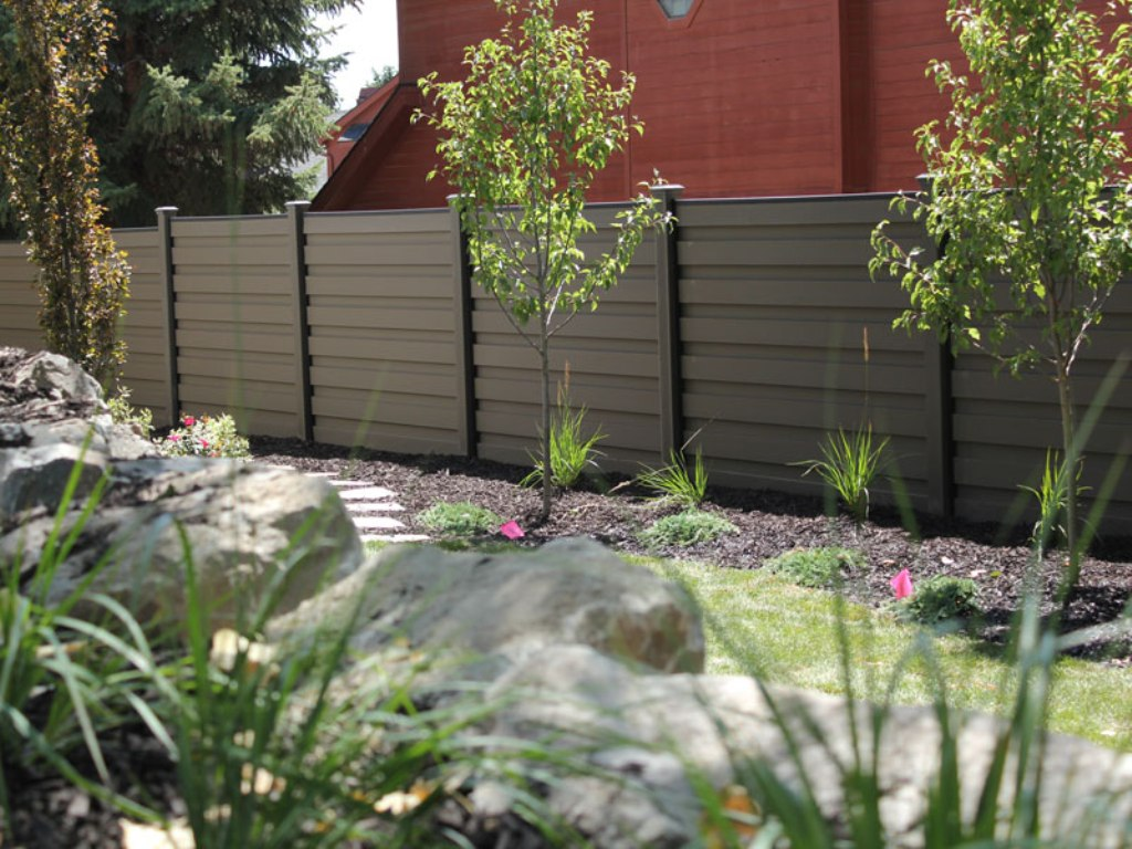 Image of: Composite Fencing Horizontal