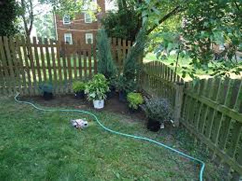 Image of: Corner Fence Landscaping Outdoor Ideas