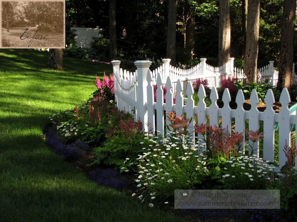Image of: Corner Fence Landscaping Pictures