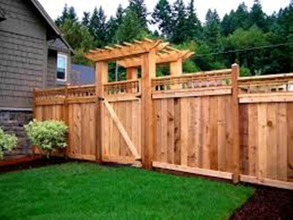 Image of: Corner Lot Fence Ideas for Corner Lots