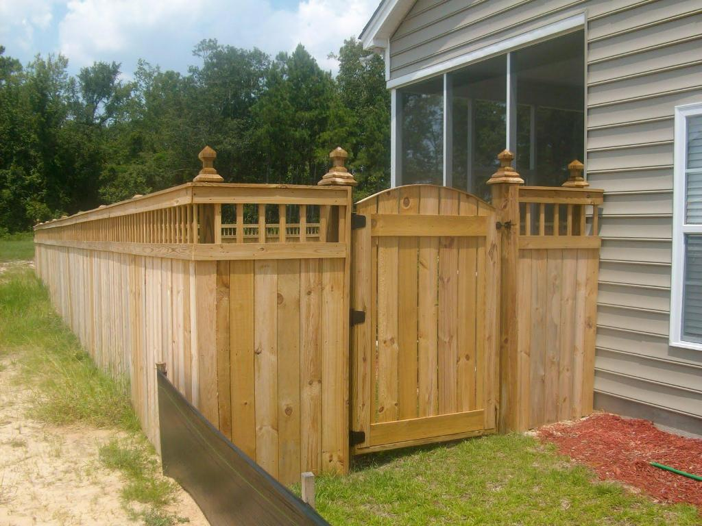 Image of: Corner Lot Fence Ideas for Garden