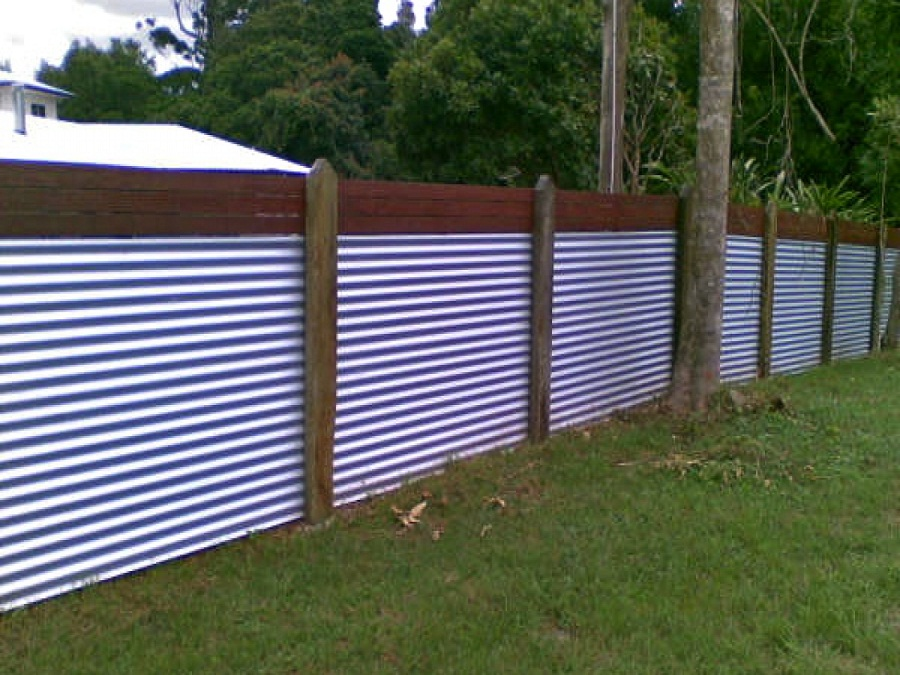 Image of: Corrugated Metal Fence Garden