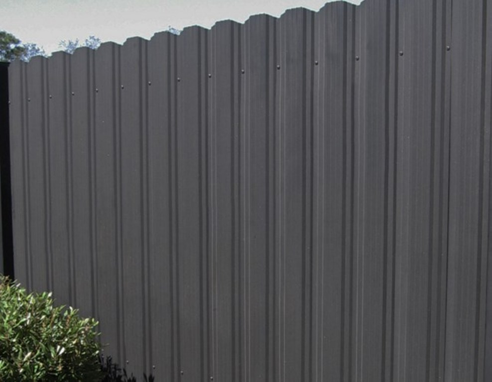 Image of: DIY Black Aluminum Fencing