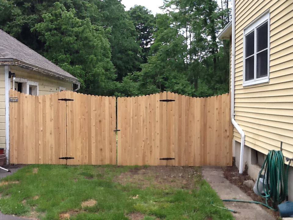 Image of: Dog Fence above Ground