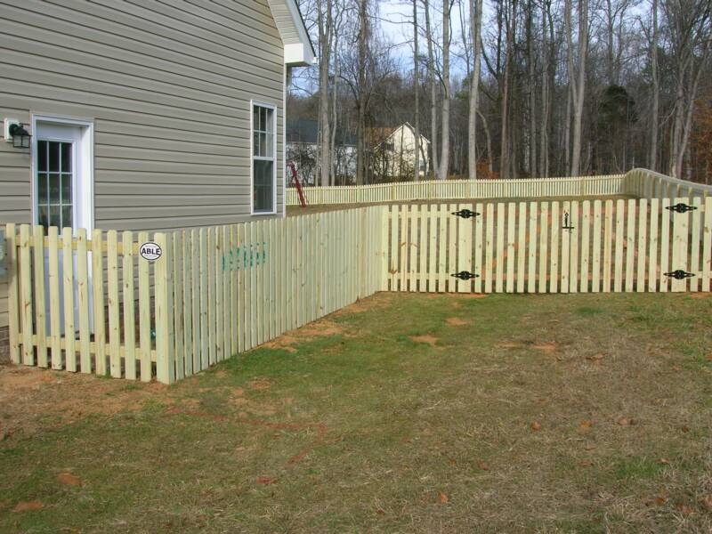 Image of: Dog Fences for Backyard