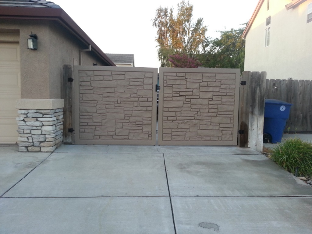 Image of: Ecostone Fence Gate