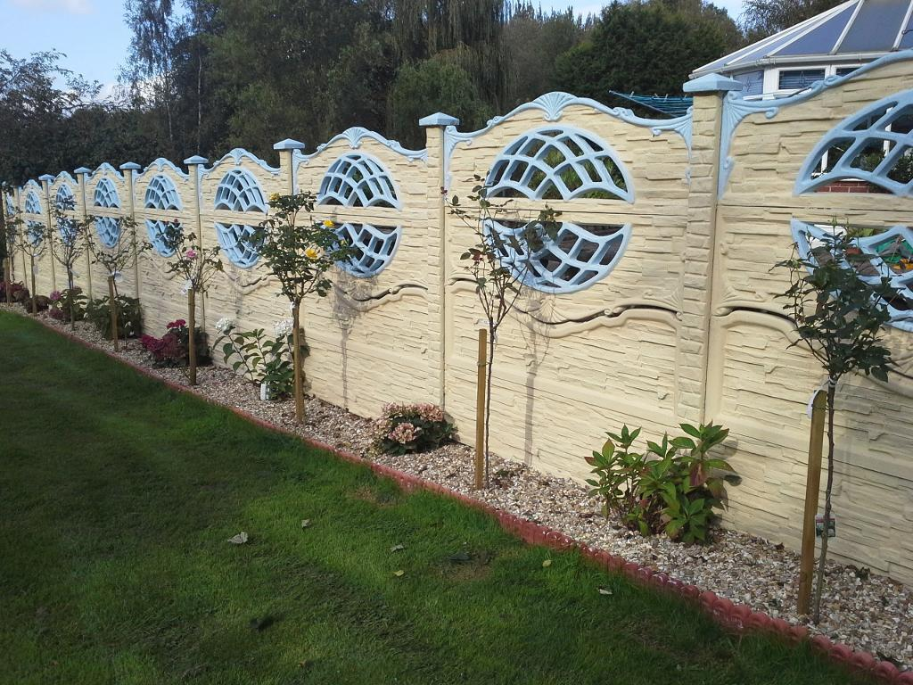 Image of: Ecostone Fence Ideas