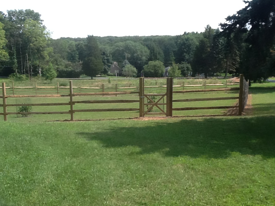 Image of: Effective Deer Fencing