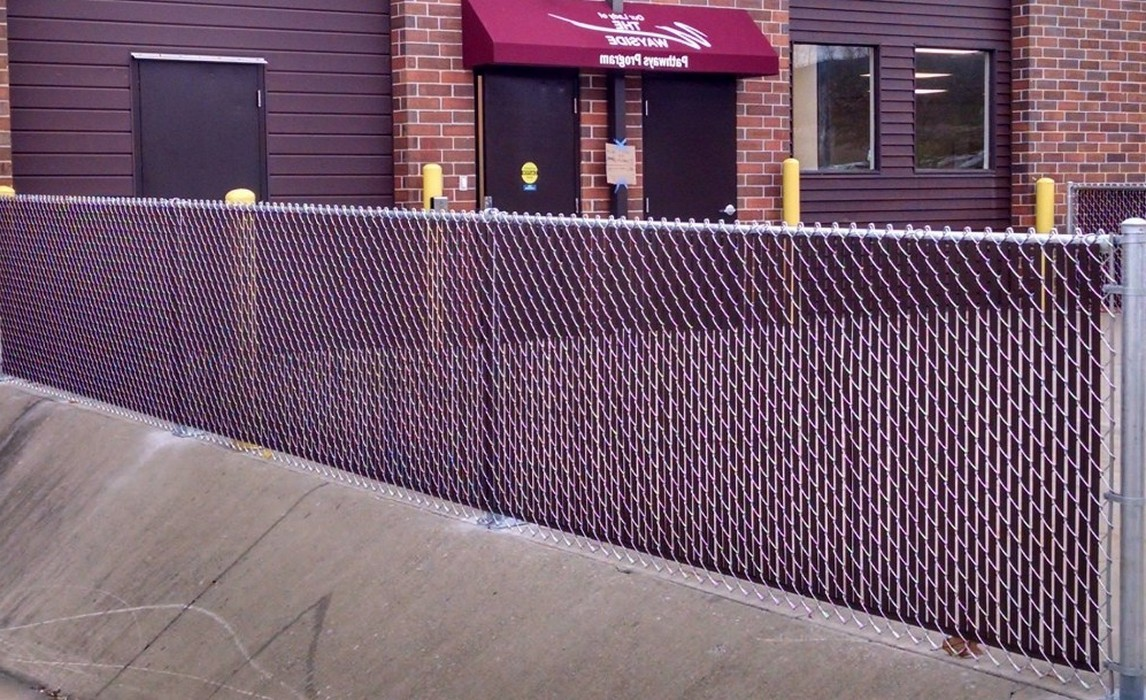 Image of: Famous Chain Link Fence Slats