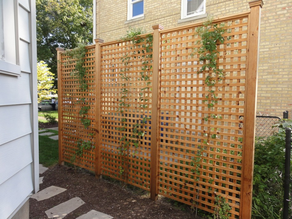 Image of: Free Standing Outdoor Fence Images