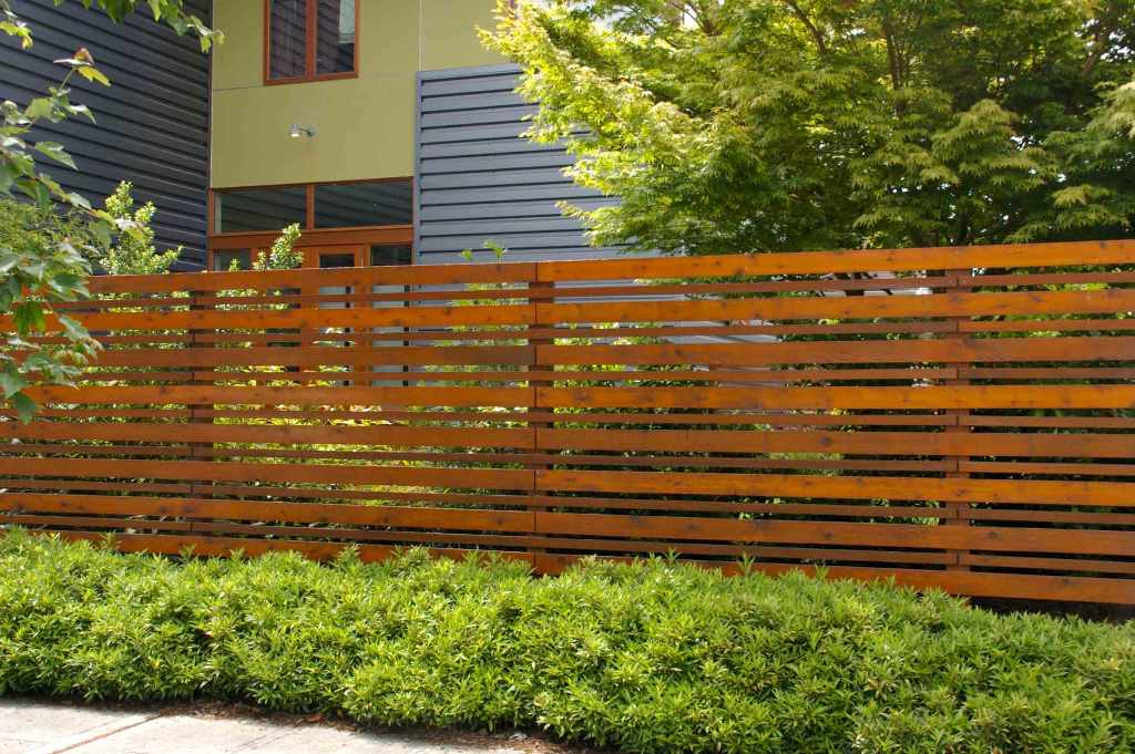 Image of: Front Yard Fence Wood