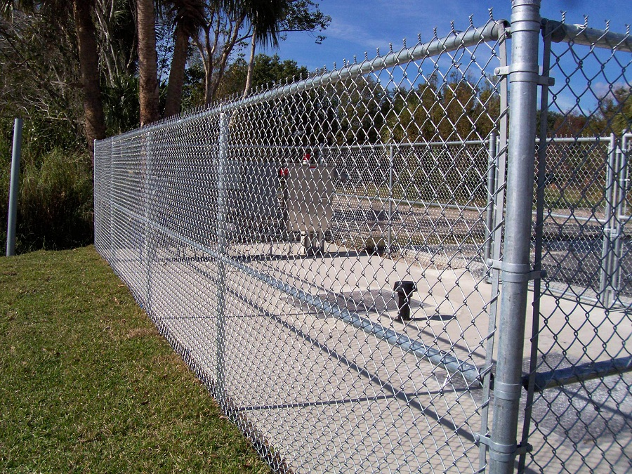 Image of: Galvanized Chain Link Fencing