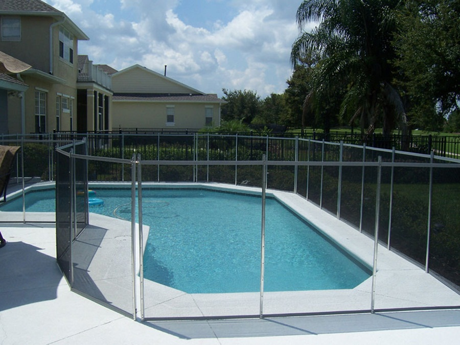 Image of: Glass Pool Fencing Ideas