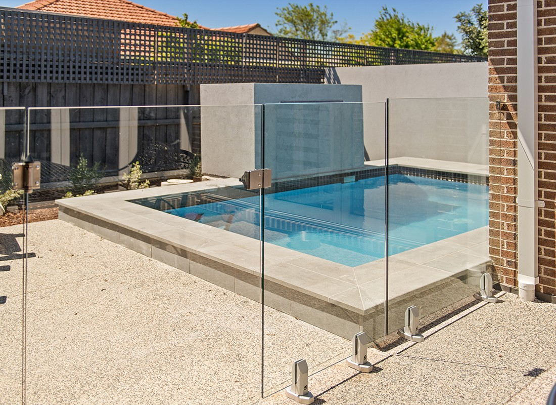 Image of: Glass Pool Fencing