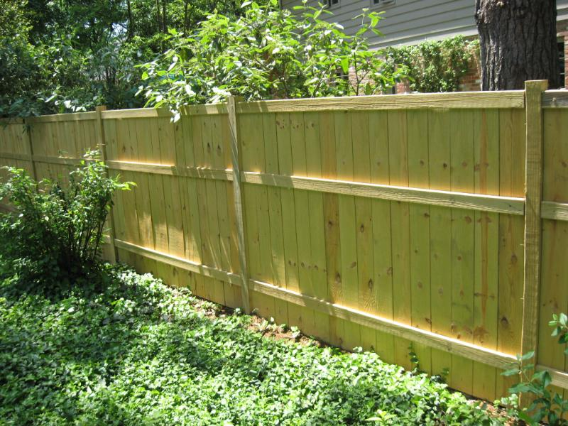 Image of: Good Neighbor Fence Green
