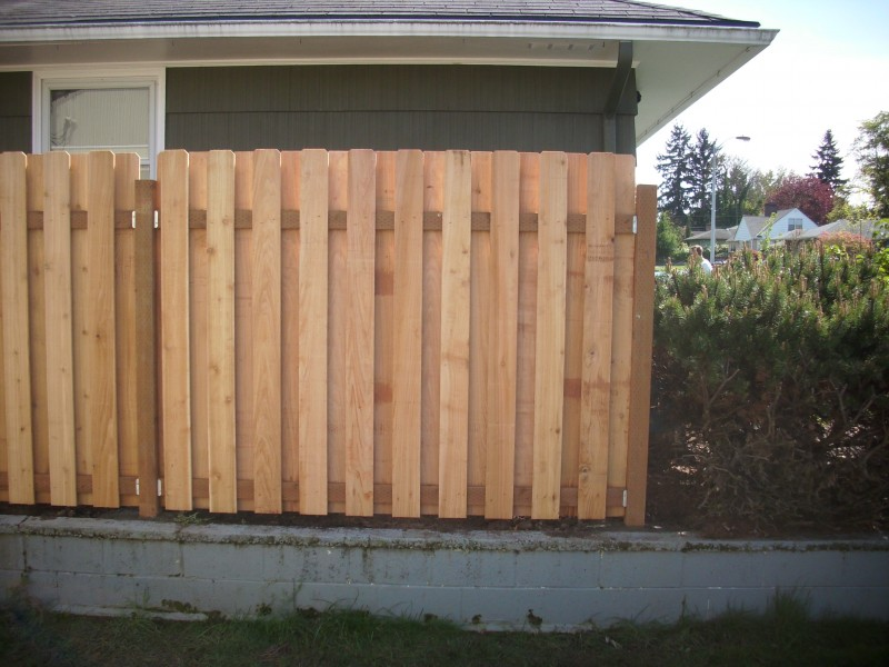 Image of: Good Neighbor Fence Reviews