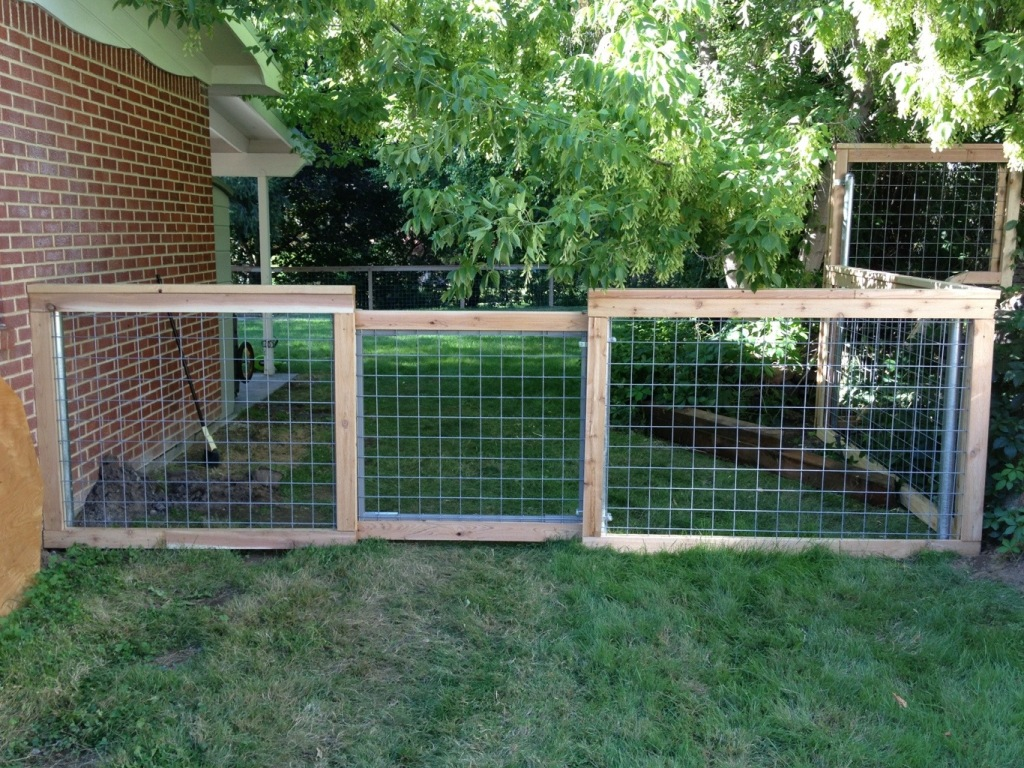 Image of: Hog Wire Fence Diy