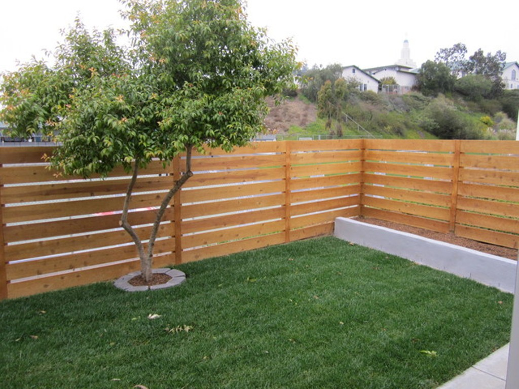 Horizontal Fence Plans with Lattice on Top