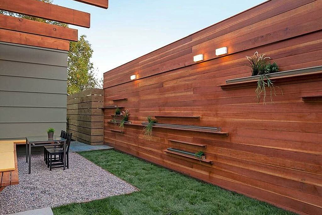 Image of: Horizontal Wood Fence Modern