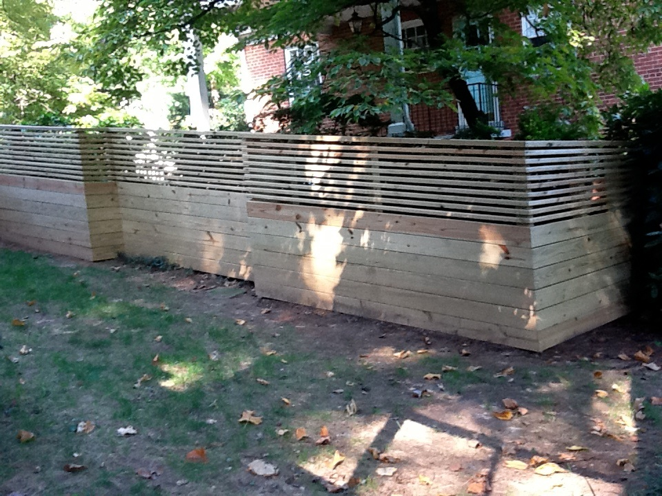 Image of: Horizontal Wood Fence