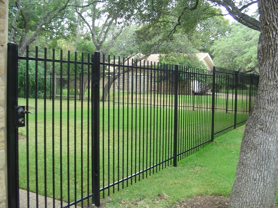 Image of: Iron Fence Decor
