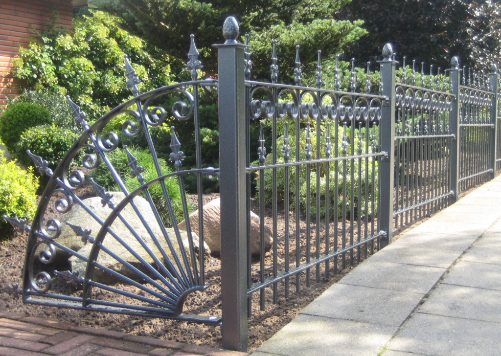 Image of: Iron Fence Panels Decor