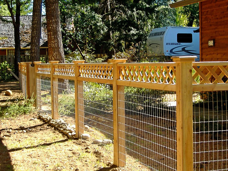 Image of: Lattice Fence Install