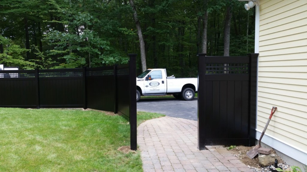 Image of: Lowes Black Vinyl Fence