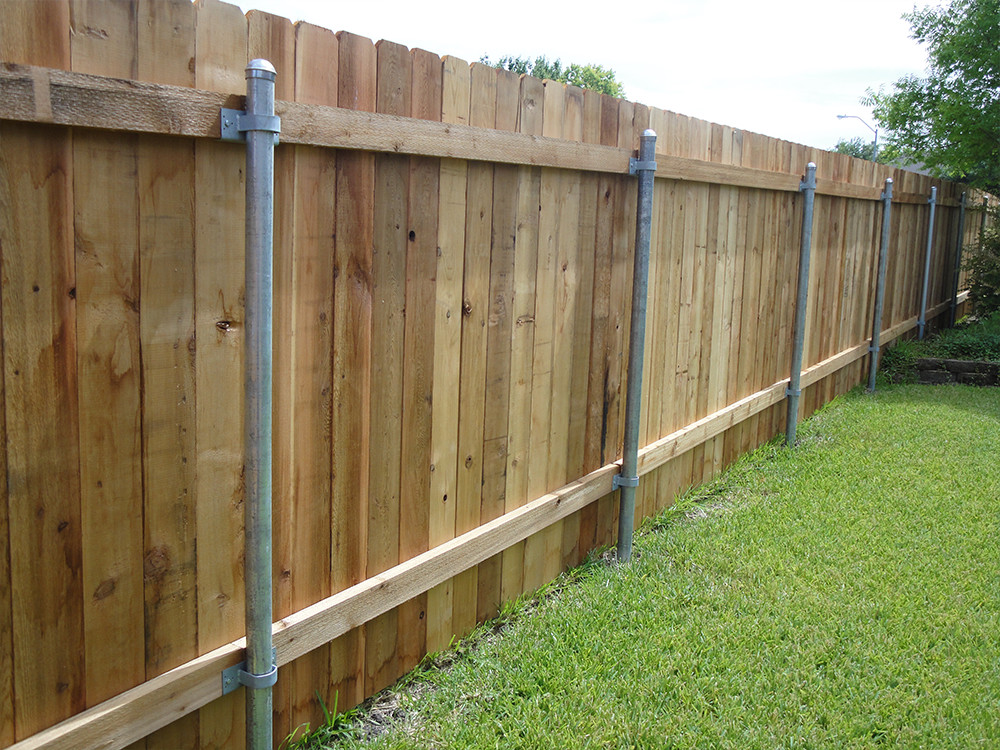 Image of: Metal Fence Posts Decor