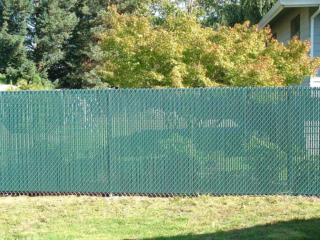 Image of: Modern Chain Link Fence Slats