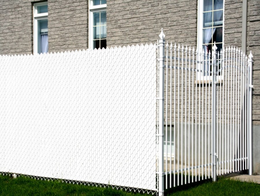 Image of: New Chain Link Fence Privacy Slats