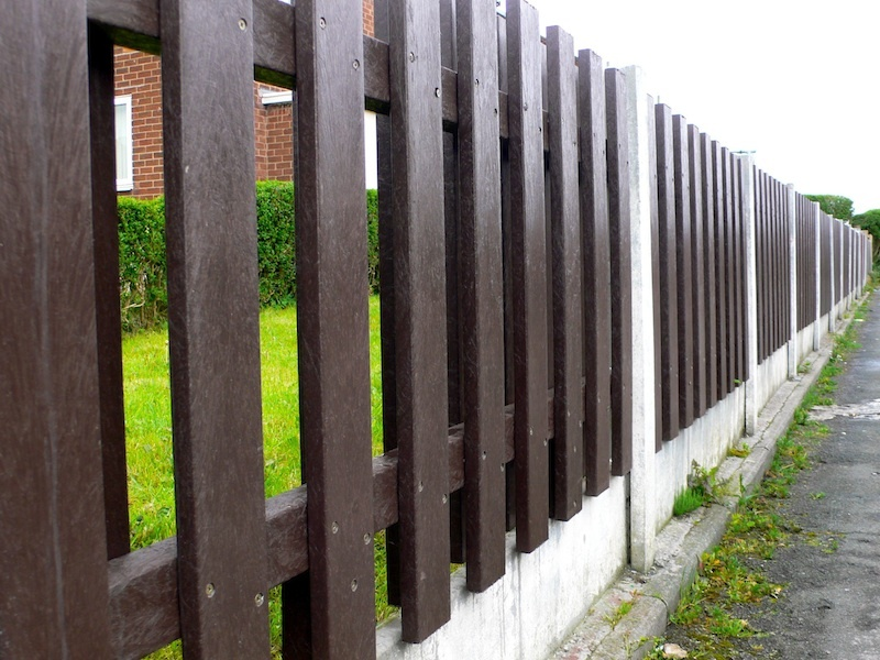 Image of: Plastic Fence Panels Garden