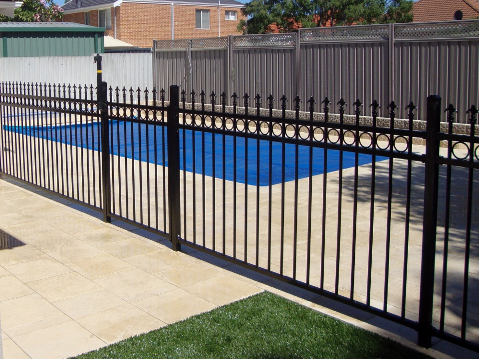 Image of: Pool Fencing