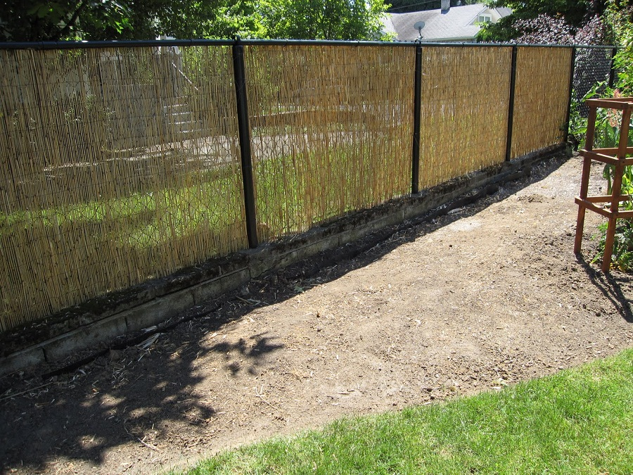 Image of: Reed Bamboo Fencing Rolls