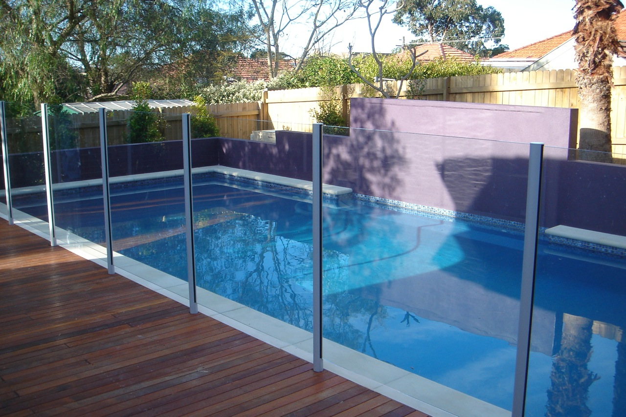 Image of: Top Pool Fencing