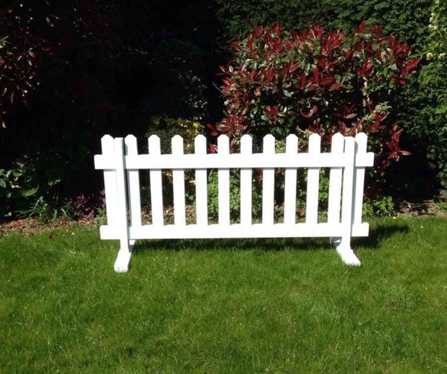 Image of: White Free Standing Outdoor Fence