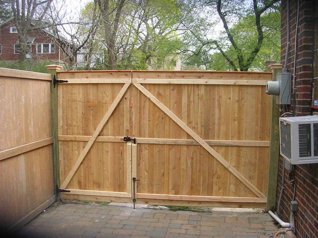 Image of: Wooden How To Build A Fence Gate