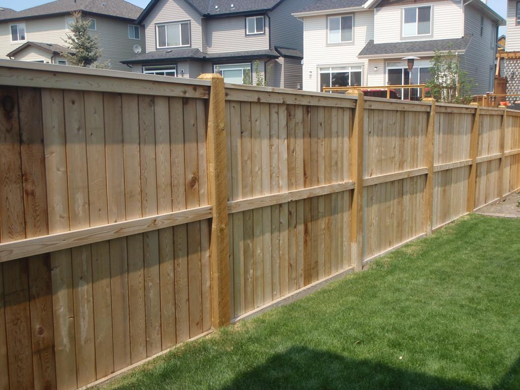 Image of: Wooden Privacy Fence Ideas