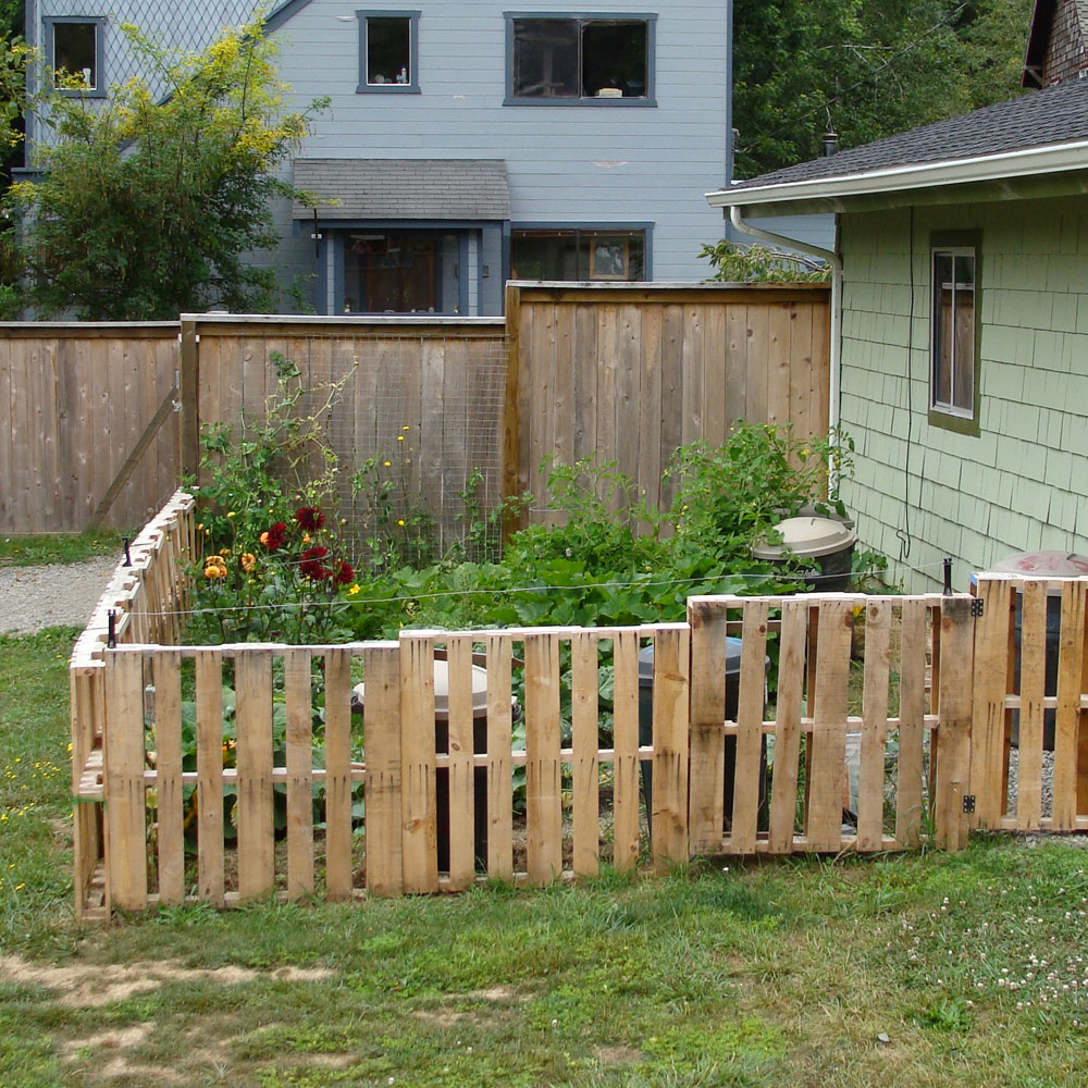 Yard Cheap Fencing Ideas