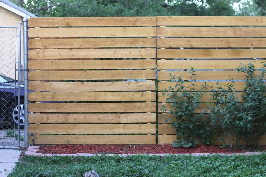 Image of: Yard Privacy Fence Ideas