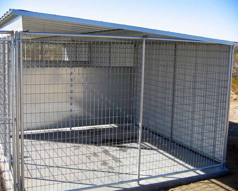 Image of: 10×10 Dog Kennel Roof Ideas