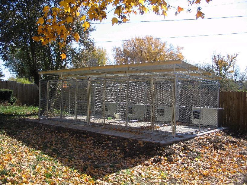 Image of: 10×10 Dog Kennel Roof Type