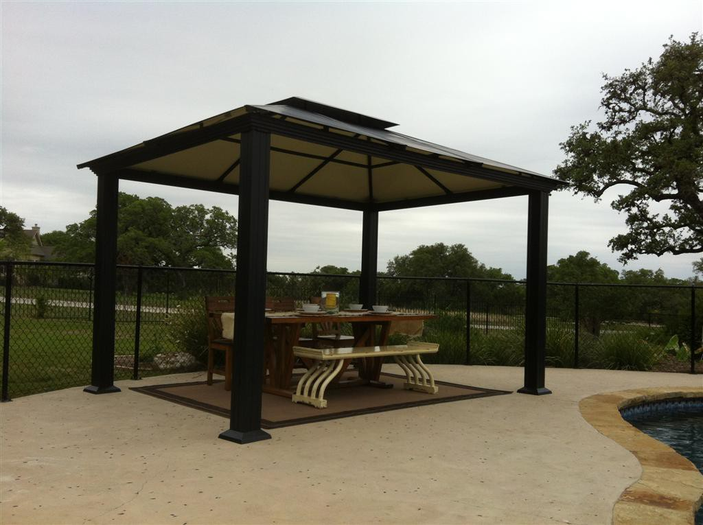Image of: Aluminum Roof Gazebo Dining