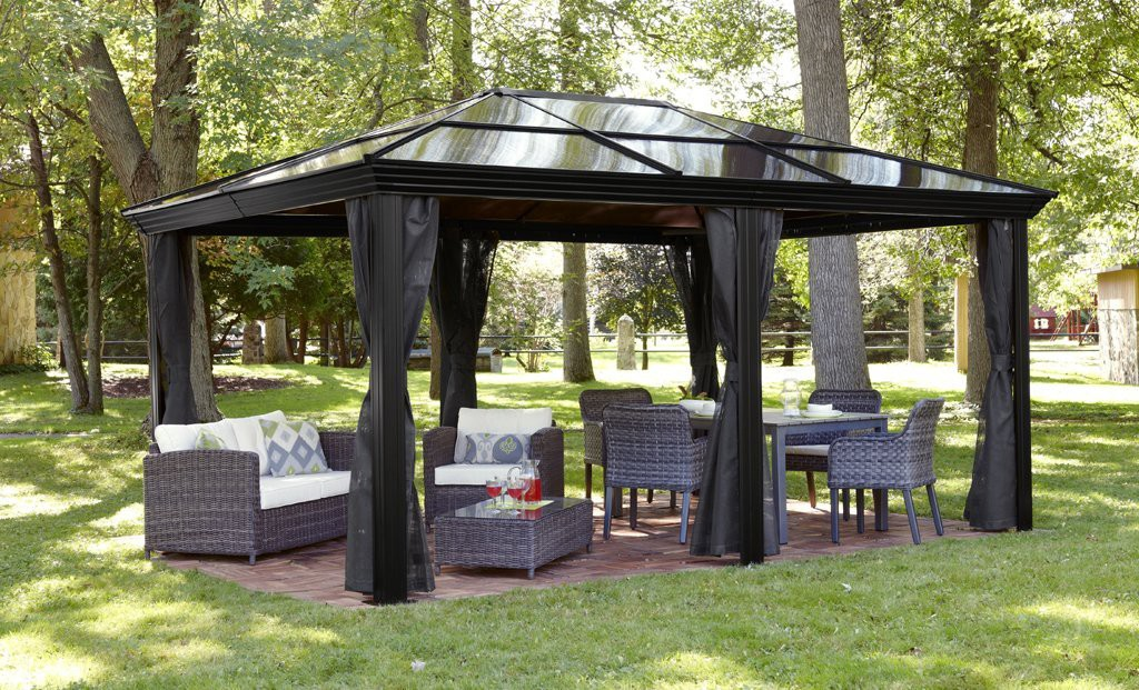 Image of: Aluminum Roof Gazebo Garden