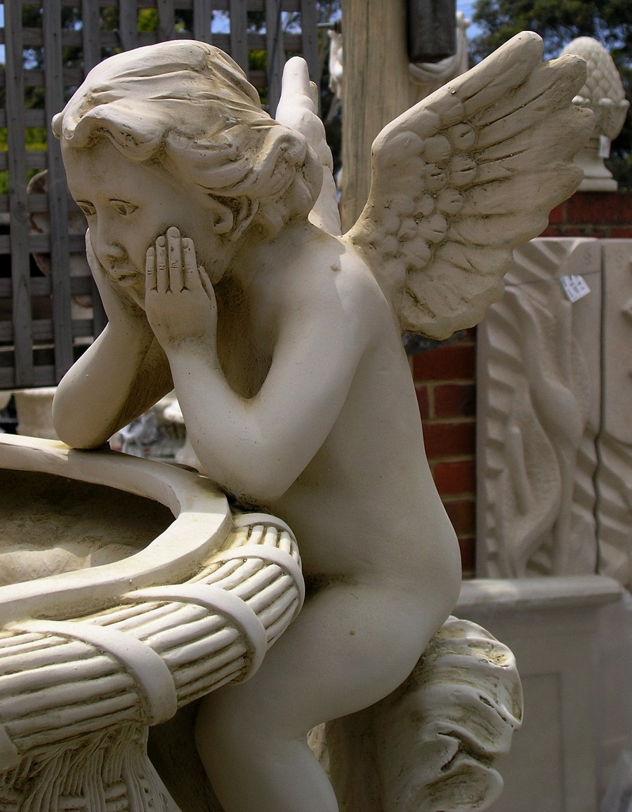 Image of: Angel Water Fountain Ideas