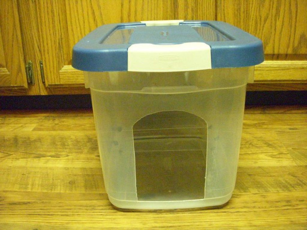 Aqua Cube Pet Fountain Water Bowl