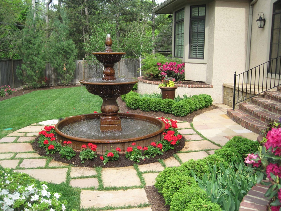 Image of: Awesome Backyard Fountain