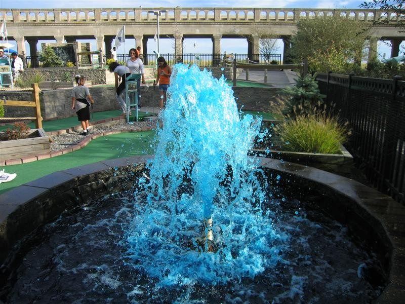 Image of: Awesome Blue Fountain
