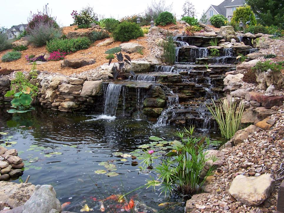 Image of: Backyard Fountain Ideas Design