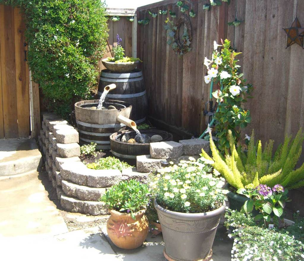 Image of: Backyard Water Fountains Corner